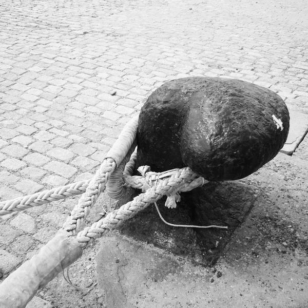 noray. muelle de cádiz 2016-07-31